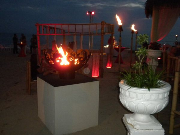 Tiki-beach-grand-cayman-firebowls5
