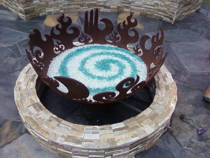 Firebowl with spiral pattern in firecrystals glass