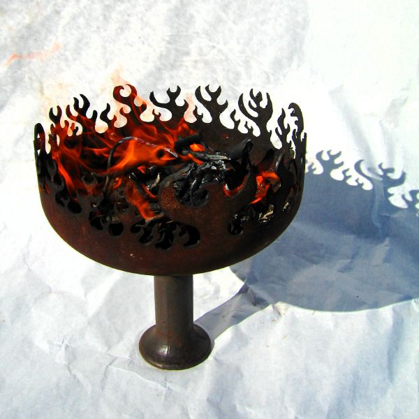 Goblet O Fire Recycled Steel Charcoal Burner: ArtBuzz :  craft design steel firebowl